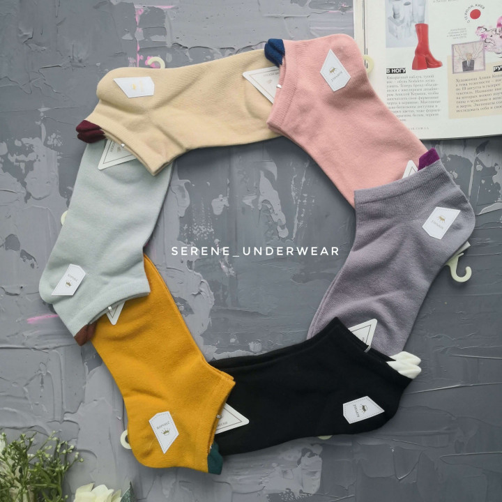 Жіночі короткі однотонні шкарпетки 970