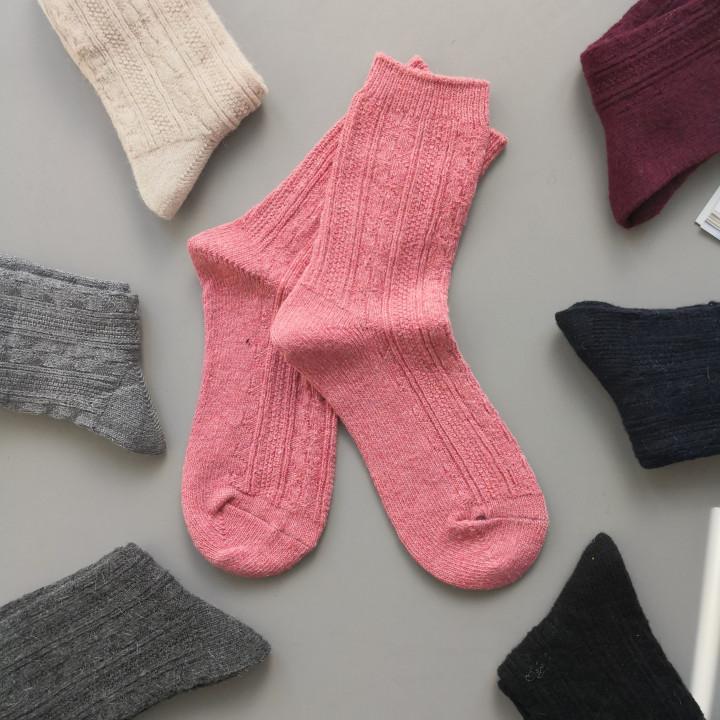 Жіночі теплі шкарпетки класичної висоти орнаментовані 1173